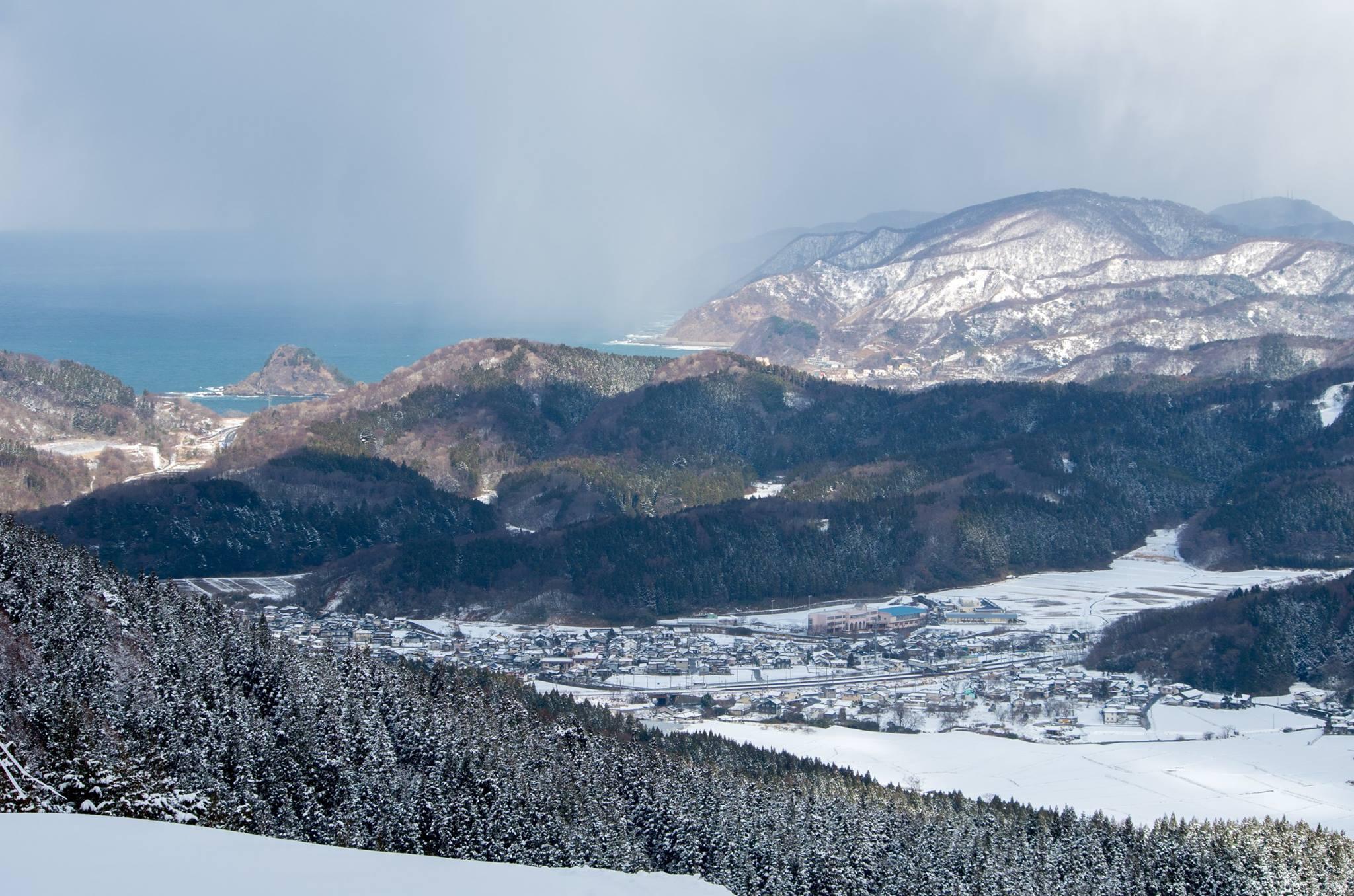 冬の八森山の山頂付近より